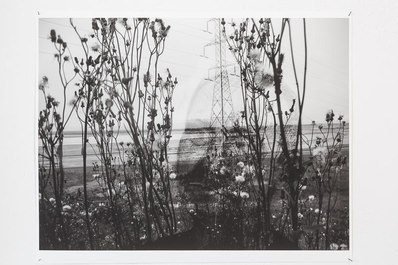 Susan Turcot: aus der Serie Seeking the Humane in an Inhumane Landscape, 2013 Digitaldruck (Kohlezeichnung auf Papier (Portraits) / Fotografie)