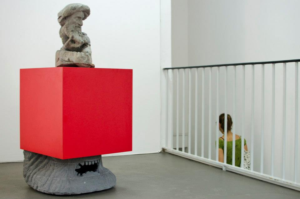 Steven Claydon, Who conjured you out of the clay?, 2012, Courtesy Sadie Coles HQ, London, Foto: Robert Vanis