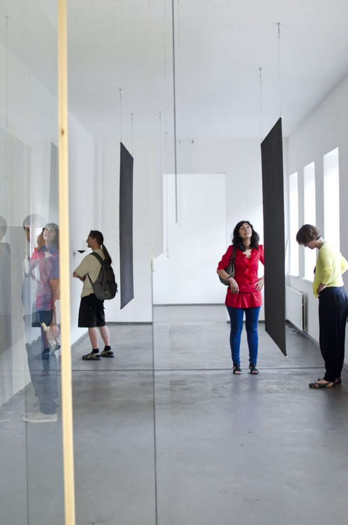 Yael Davids, Bodies, objects, spaces all carry heat, 2012 , Courtesy the artist, Foto: Robert Vanis