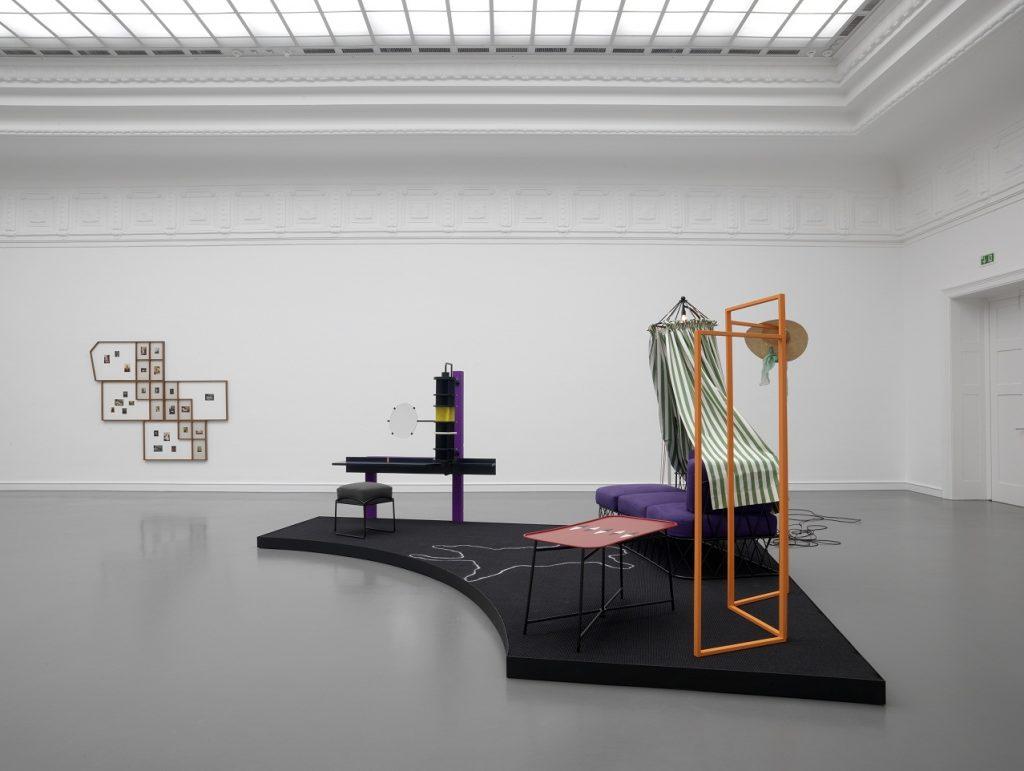 Nairy Baghramian, Entre deux actes II (Loge des Comédiennes), 2009, Courtesy of the artist, Galerie Buchholz and Berlin/Cologne
