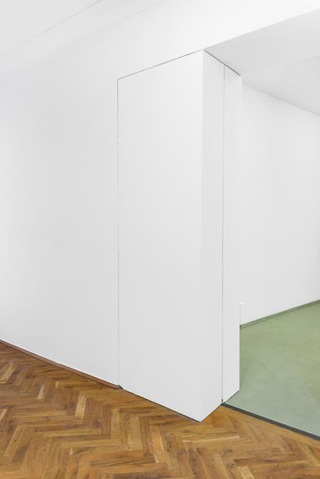 Stefan Eichhorn, Versteck, 2011, Courtesy the artist/Günther Uecker, Unauffaltbar, 1996, Courtesy the artist, VG Bild-Kunst.