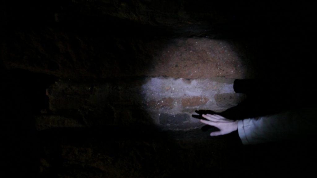 Maya Schweizer, I, an archeologist,  2013, Videostill