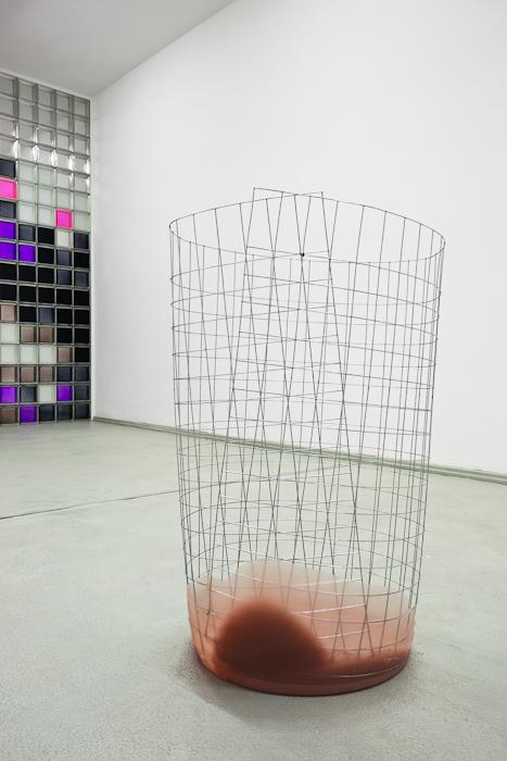 Nairy Baghramian, Waste Basket (bin for rejected ideas), 2009, Courtesy: Galerie Daniel Buchholz, Cologne/Berlin