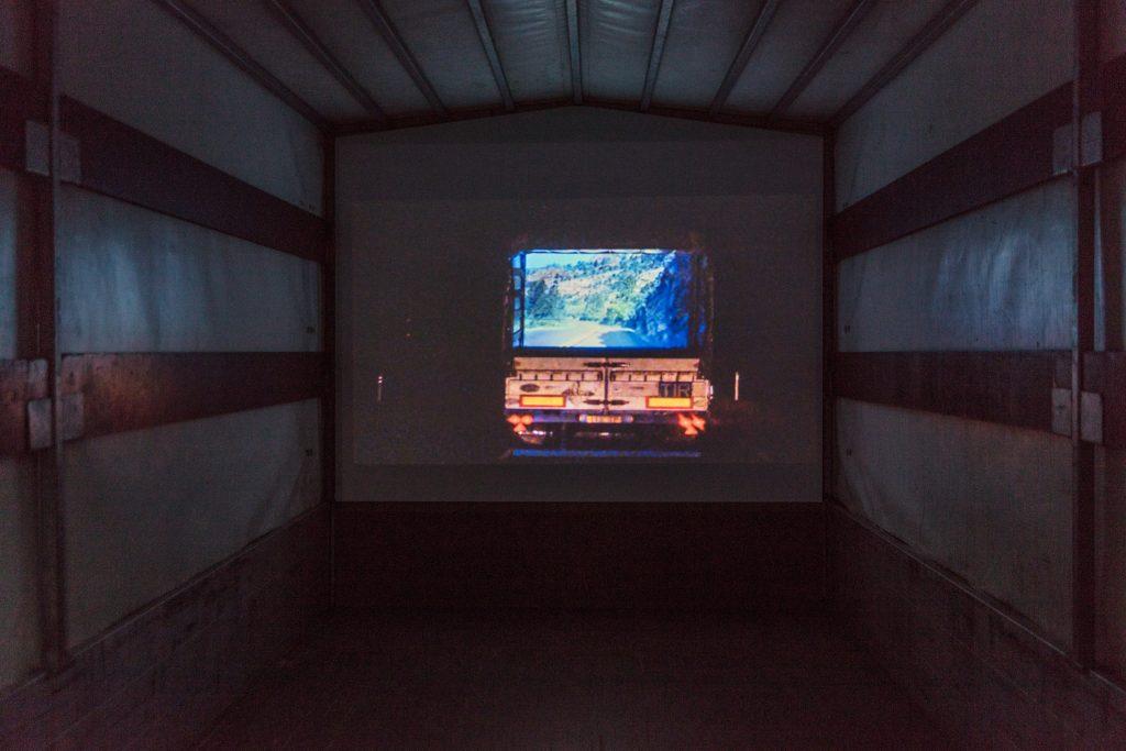 Jaan Toomik: Truck (1997). Foto: David Brandt