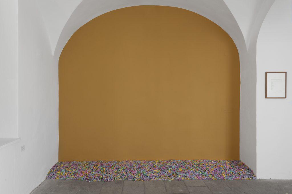 Felix Gonzalez-Torres, Unitled (Ross), 1991, Courtesy: Collection of Karen + Andy Stillpass
