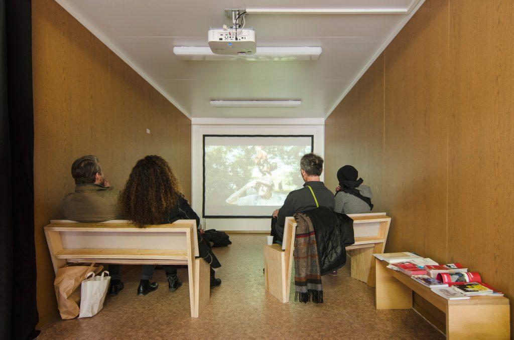 Filmprogramm in Container #1 - Kunsthaus Dresden. Foto: Robert Vanis
