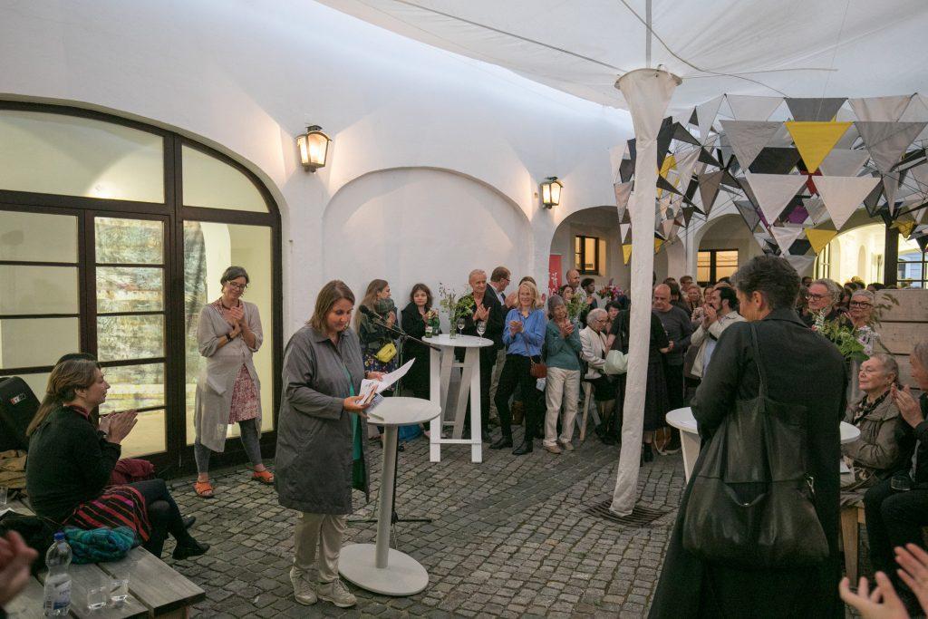 Eröffnungsrede von Elke aus dem Moore (ifa). Foto: David Brandt