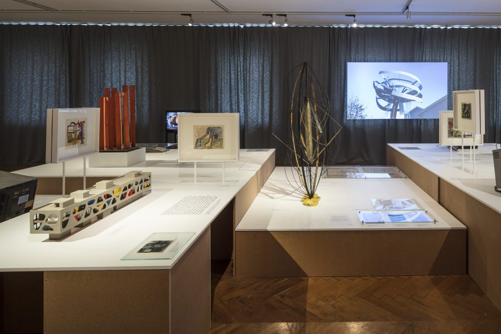 Ausstellungsansicht Marian Bogusz: Die Freude an neuen Konstruktionen The Joy of New Constructions, Kunsthaus Dresden Foto: David Brandt