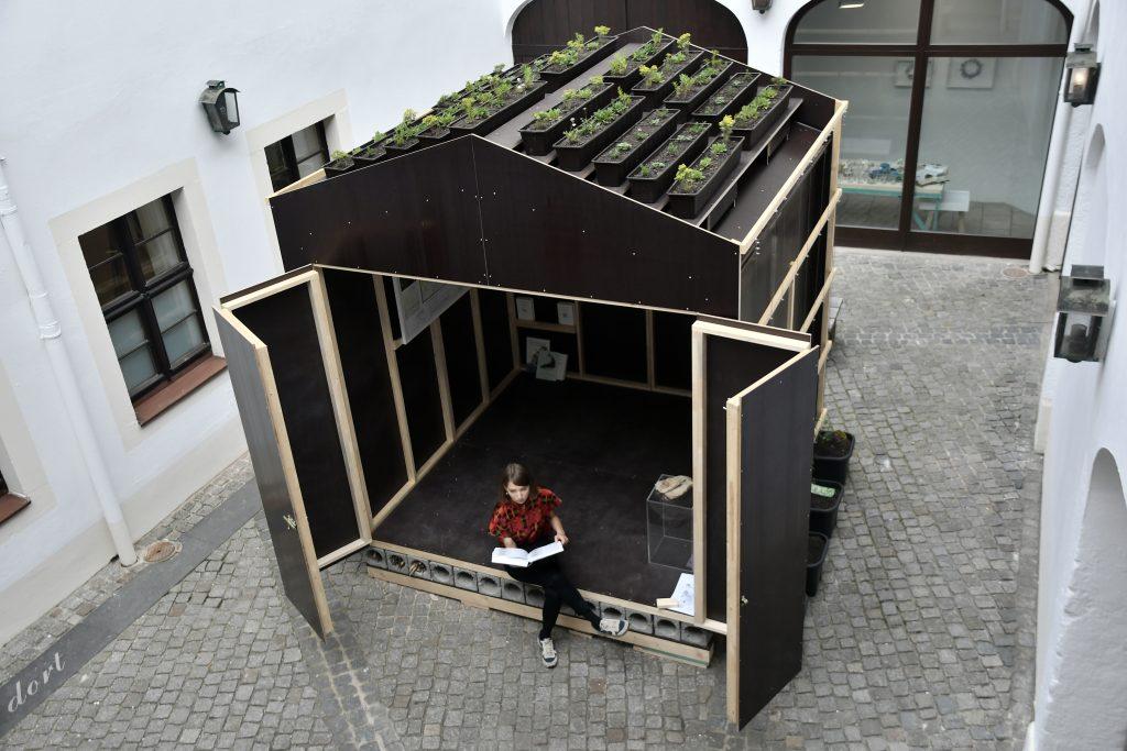 Alexander Römer, constructLab: Laube. Ausstellungsansicht Kunsthaus Dresden.  © Anja Schneider