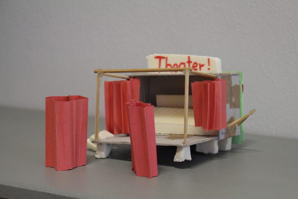 Bühnenmodell des Clubs der entwerfenden Bürger*innen, Kunsthaus Dresden. © Sophie Arlet