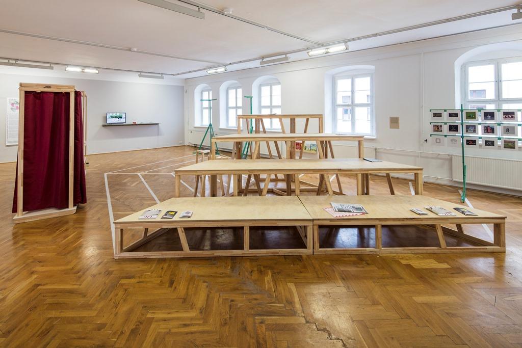 Ausstellungsansicht Nachbarschaften 2025, Kunsthaus Dresden, 2019. © David Brandt/Kunsthaus Dresden