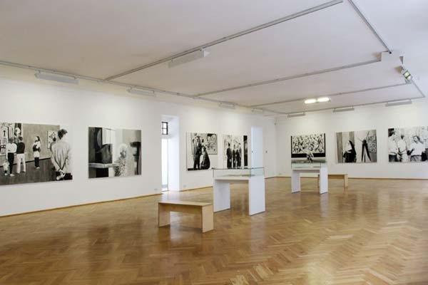 Ausstellungsansicht Kunsthaus Dresden, Foto: David Brandt
