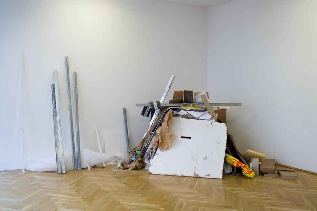 Piotr Kopik: There Is Some Escape II, interaktive Installation, 2006. Ausstellungsansicht Kunsthaus Dresden. Foto: David Brandt