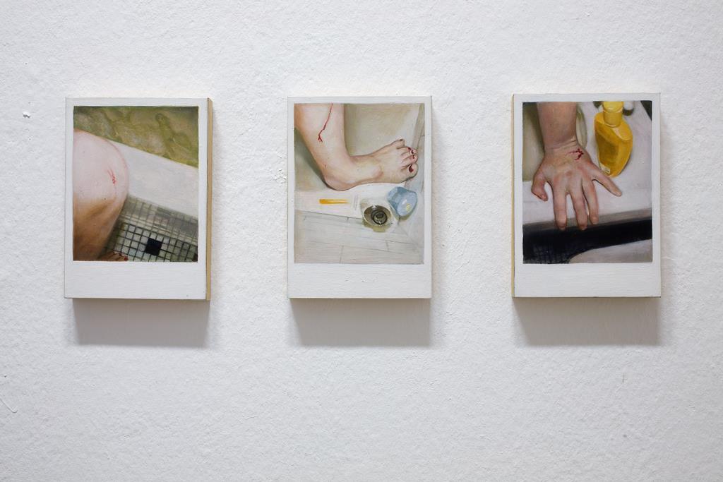Ellen Harvey: Three Small Cuts, Öl auf Holz/je 12,5 x 17,7 cm, 1999 Collection Gregory R. Miller, New York. Foto: David Brandt