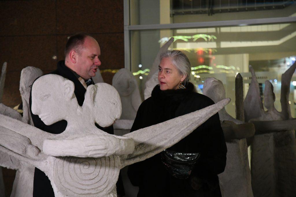 Rolling Angels Marit Benthe Norheim Bildhauerin und Geir Johnson Komponist