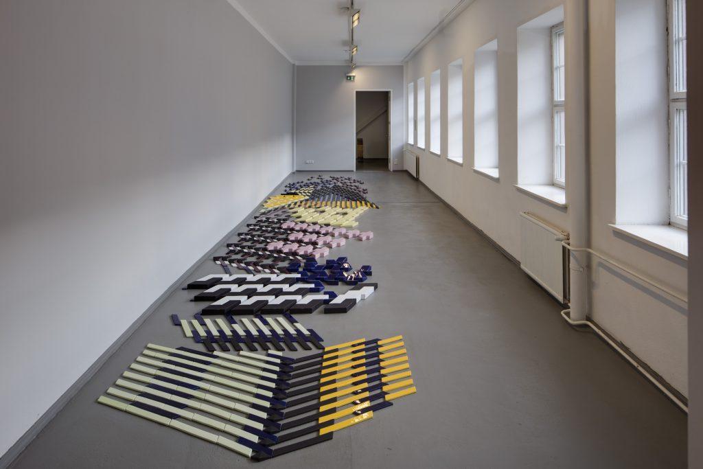 Bikje von Soest, Ohne Titel (Bodenrelief), 2015, Foto: David Brandt