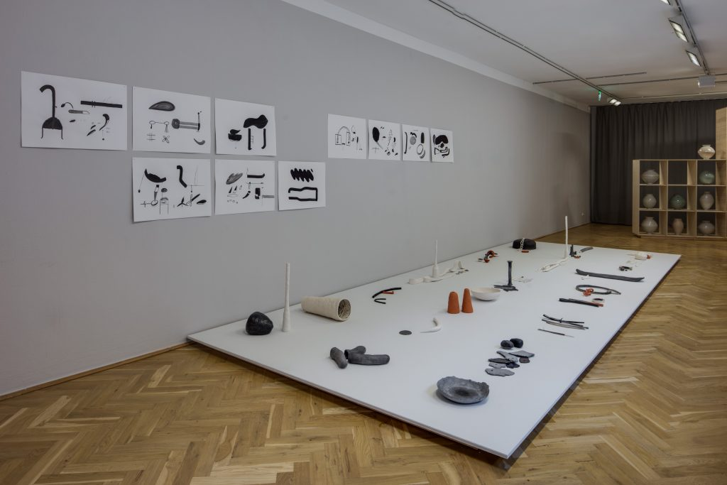 Elisa Schumann, # COOL TOOLS / One Thing Rommy Never Really Dug, 2019 Material div., Foto: David Brandt